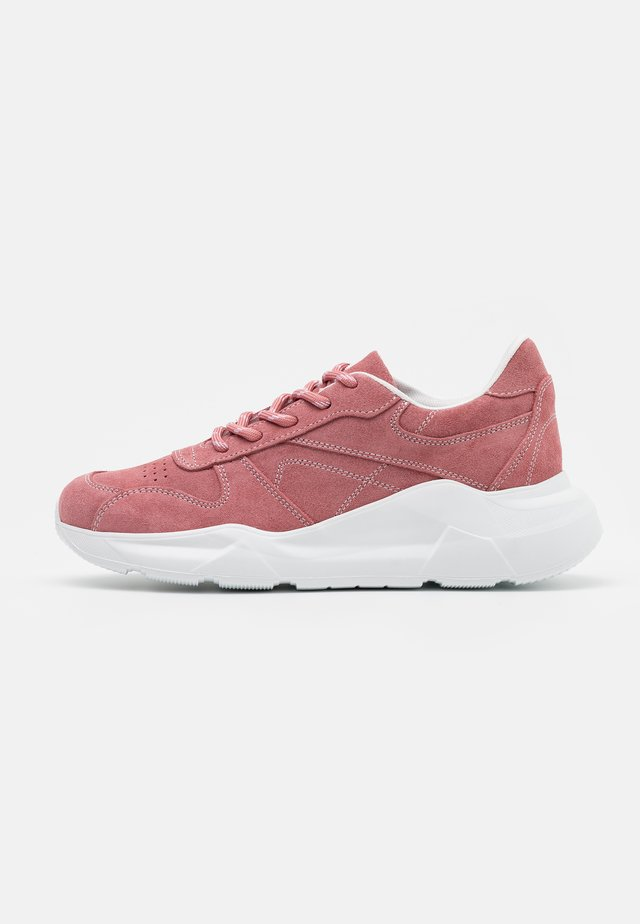 STACY - Sneaker low - pink