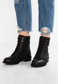 Steven New York by SPM - LOFARMY - Lace-up ankle boots - black - 0