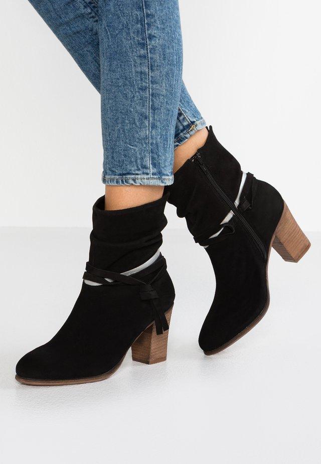 XATLY - Kotníkové boty - black