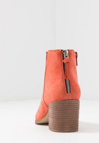 Steven New York by SPM - NEVA - Ankle Boot - coral - 5