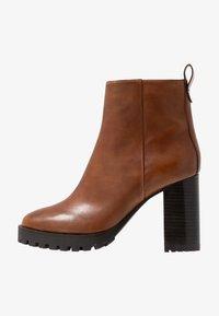 Steven New York by SPM - JONNIE - High heeled ankle boots - cognac - 1