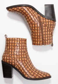 SPM - LOCK - Ankle boot - cognac - 3
