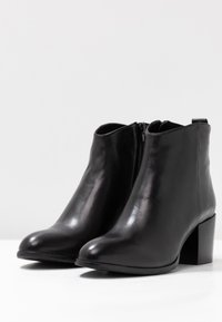 Steven New York by SPM - LINDEN - Classic ankle boots - black