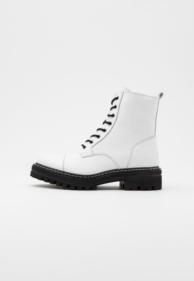 LAZZY - Platform ankle boots - white