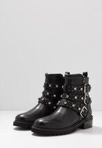 Steven New York - HARMONY - Kovbojské/motorkářské boty - black - 4