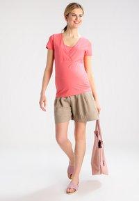 Spring Maternity - Shorts - khaki - 1