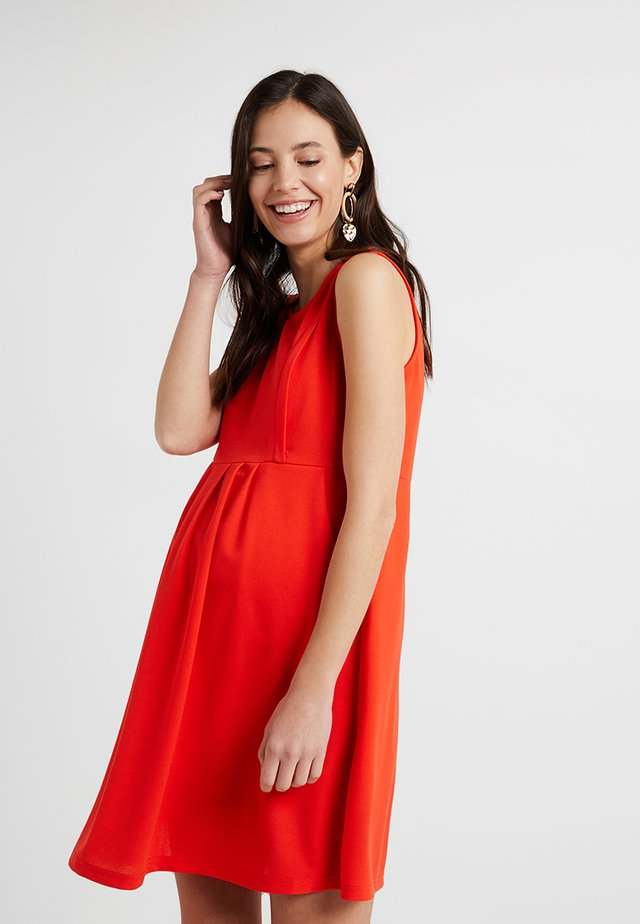 COLLEEN PLEATED DRESS - Jersey dress - red