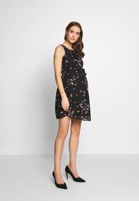 Spring Maternity - CARMENE SLEEVELESS PRINTED DRESS - Day dress - black - 1