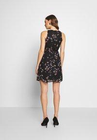 Spring Maternity - CARMENE SLEEVELESS PRINTED DRESS - Day dress - black - 2