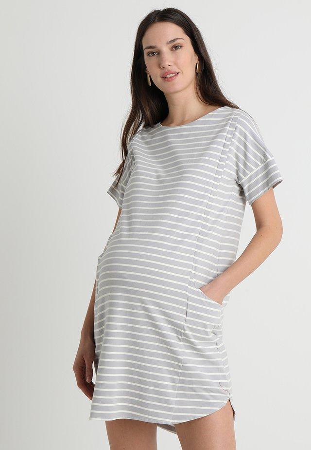 BATWING SLEEVES CAMBRIE DRESS - Žerzejové šaty - grey