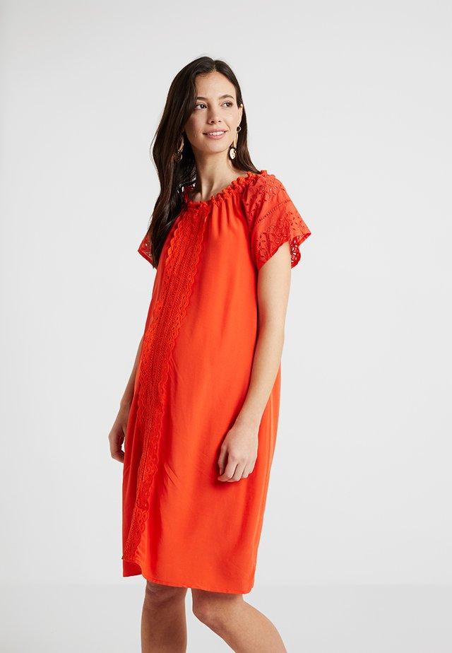 ELIANA DRESS - Vapaa-ajan mekko - orange tangerine
