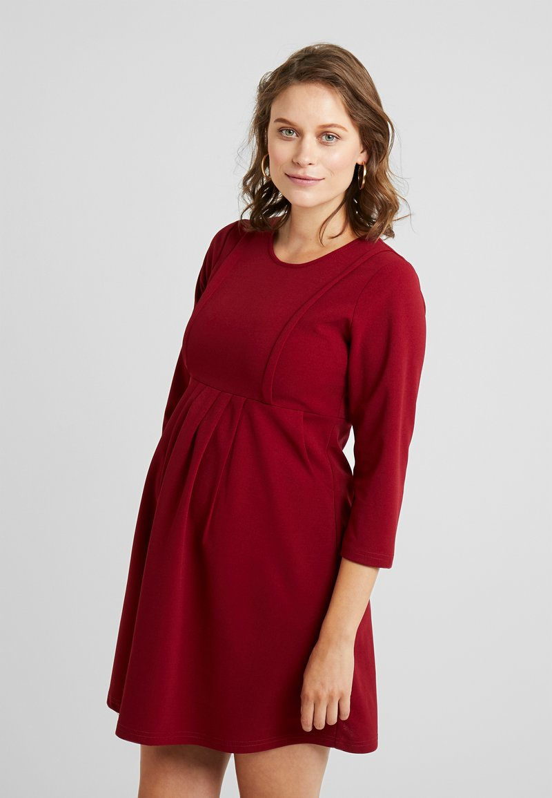 Spring Maternity - DAIJA DRESS - Jersey dress - ruby red