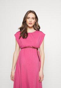 Spring Maternity - DERYN DRESS - Trikoomekko - plum - 3