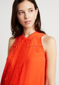 Spring Maternity - EDYTH TANGERINE - Blouse - orange - 4