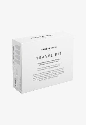 ESSENTIAL TRAVEL KIT 4 PACK - Kit bagno e corpo - neutral