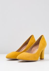 Unisa Wide Fit - UMIS - Pumps - yellow - 4