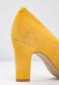 Unisa Wide Fit - UMIS - Pumps - yellow - 2
