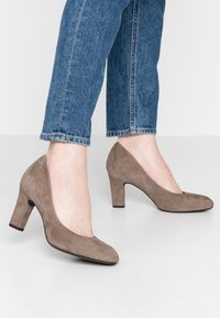 Unisa Wide Fit - Pumps - taupe - 0