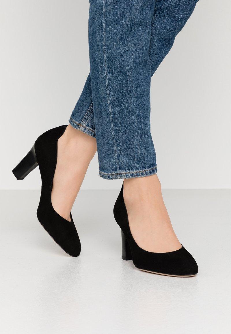 Unisa Wide Fit - ULISA WIDE FIT - Classic heels - black