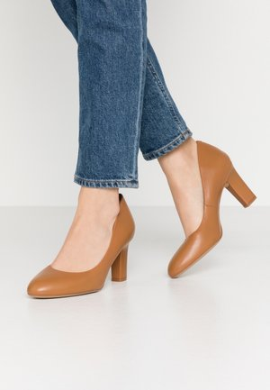 UMIS WIDE FIT  - Classic heels - bisquit