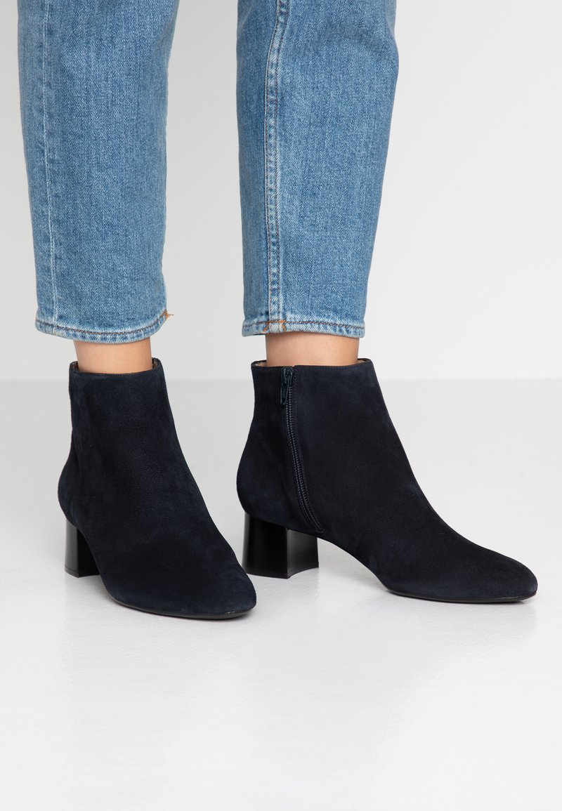Unisa Wide Fit - Ankle Boot - abyss