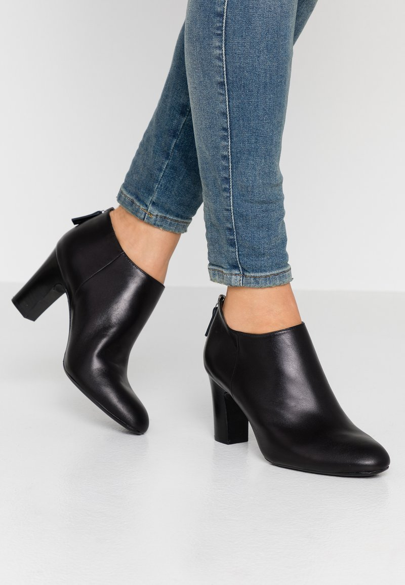 Unisa Wide Fit - Ankle Boot - black