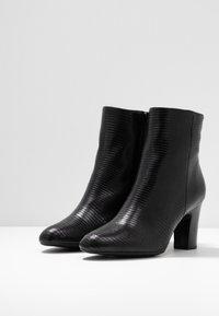 Unisa Wide Fit - Kotníkové boty - black - 4