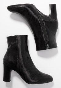 Unisa Wide Fit - Stiefelette - black - 3