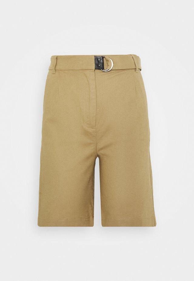 AMIRA - Shorts - cornstalk