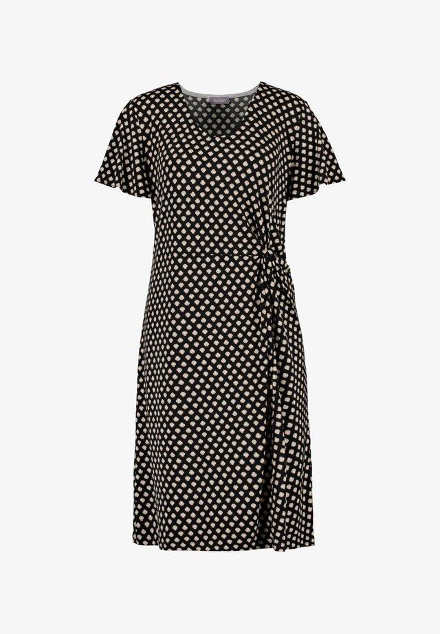 MIT SEITLICHER DRAPIERUNG - Jersey dress - black gemustert