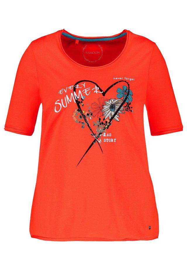 MIT FRONT-PRINT ORGANIC COTTON - T-shirt imprimé - aperol gemustert