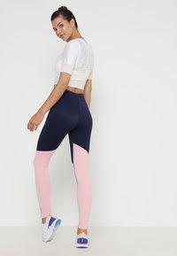 Skins - DNAMIC LONG  - Trikoot - cameo pink/navy blue - 2