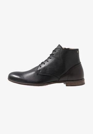 DIRTY MID - Šněrovací kotníkové boty - black