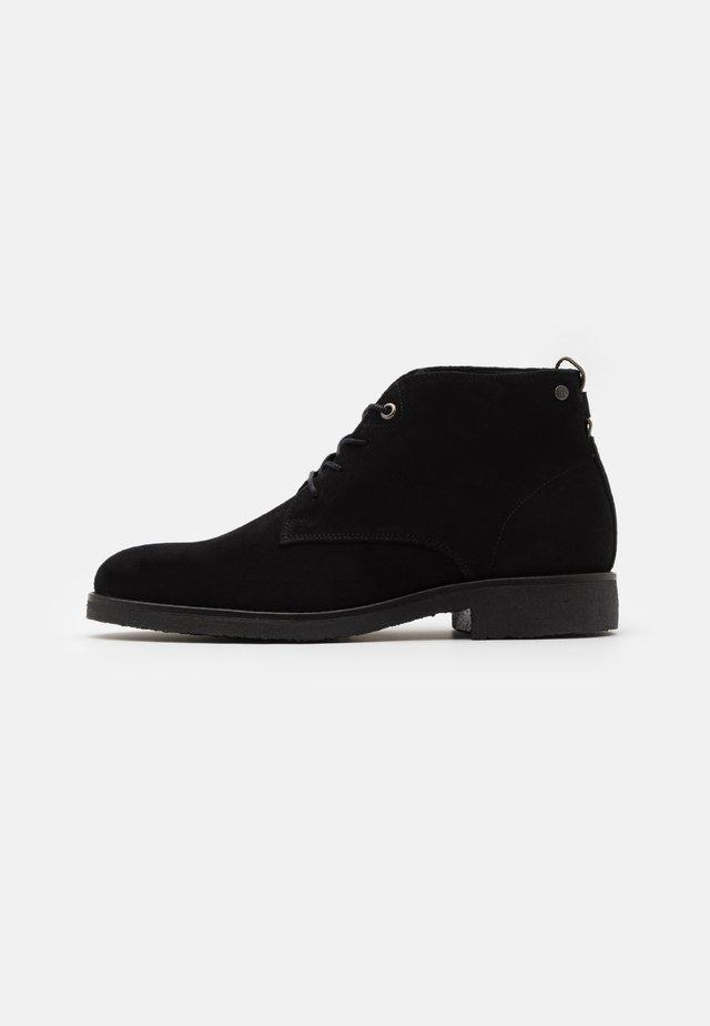 TONY - Šněrovací kotníkové boty - black