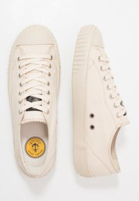 Sneaky Steve - SWING - Sneakers - dusty white - 1