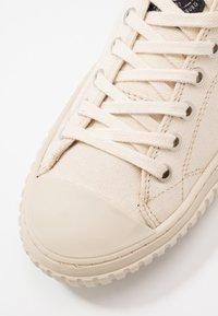 Sneaky Steve - SWING - Sneakers - dusty white - 5