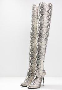 Steve Madden - DOMINIQUE - Boots med høye hæler - natural - 4