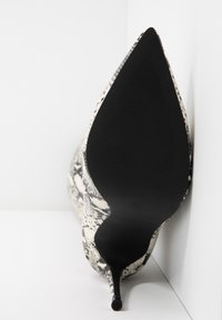 Steve Madden - DOMINIQUE - Boots med høye hæler - natural - 6