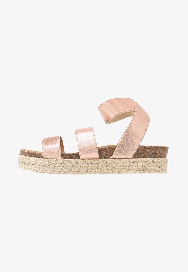 KIMMIE - Sandály na platformě - rose gold