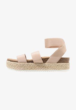 KIMMIE - Sandalen met plateauzool - blush