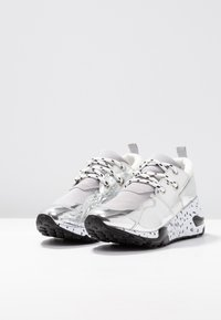 Steve Madden - CLIFF - Sneakers - silver - 4