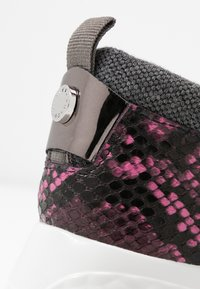 Steve Madden - CLIFF - Sneakersy niskie - grey - 2