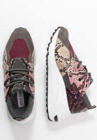 Steve Madden - CLIFF - Sneakersy niskie - grey - 4