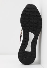 Steve Madden - CLIFF - Sneakersy niskie - grey - 6