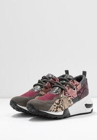 Steve Madden - CLIFF - Sneakersy niskie - grey - 3