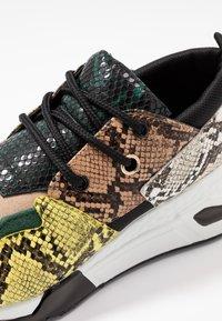 Steve Madden - CLIFF - Sneakers - green - 2