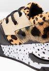 Steve Madden - CLIFF - Sneaker low - brown