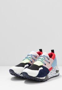 Steve Madden - CLIFF - Sneakers - pink/black - 4