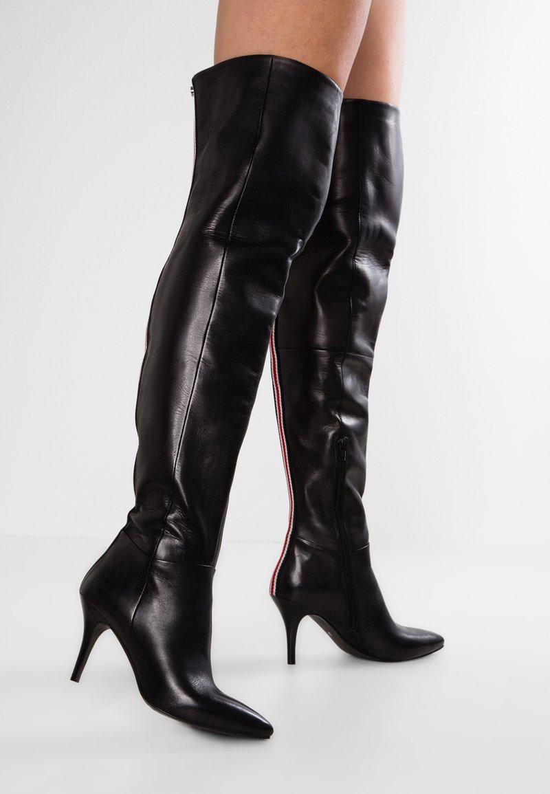 Steve Madden - VEST - Kozačky nad kolena - black