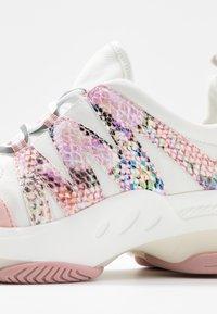 Steve Madden - CREDIT - Sneakers - pink/multicolor - 2